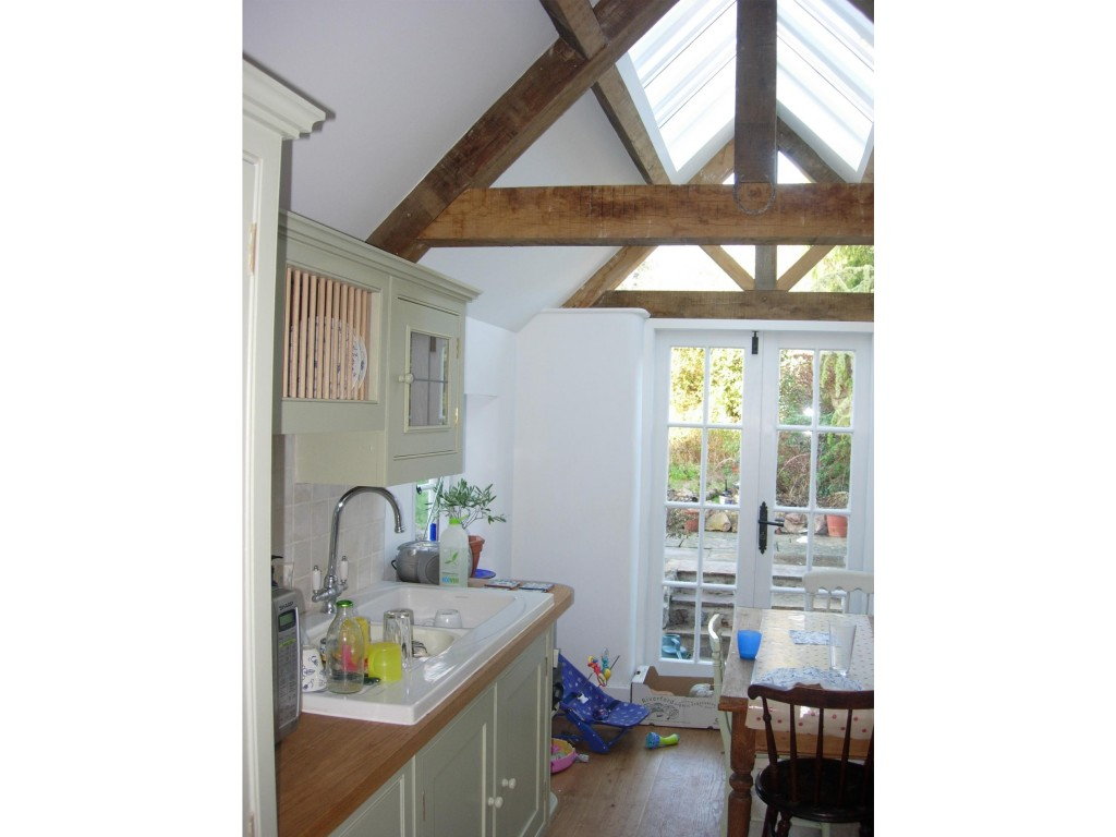 Listed cottage, new extension to form kitchen